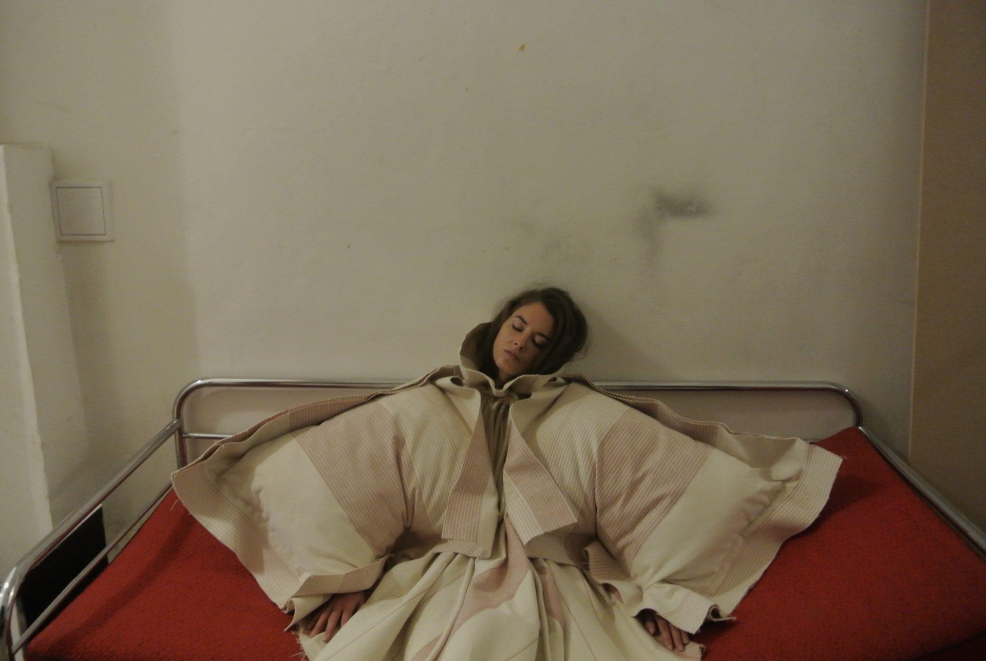ARTEFACTS_SLEEPING CAMPAIGN 1_FOTILA Michaela_capkova
